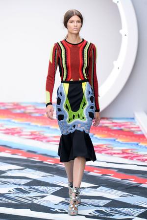 Показы мод Peter Pilotto Весна-лето 2013 | Подиум на ELLE - Подиум - фото 1166