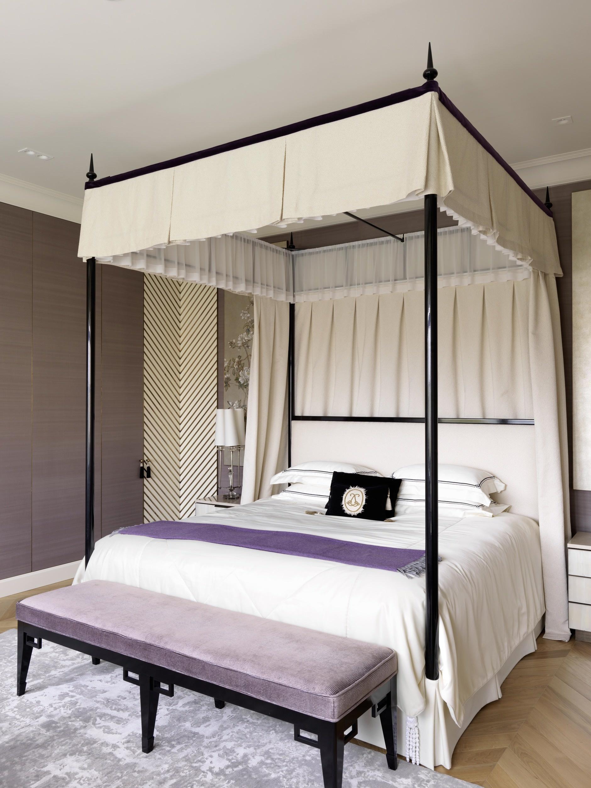 кровать с балдахином (галерея 0, фото 1)