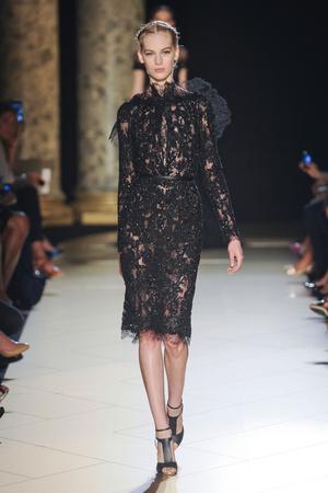 Показ Elie Saab коллекции сезона Осень-зима 2012-2013 года haute couture - www.elle.ru - Подиум - фото 404571