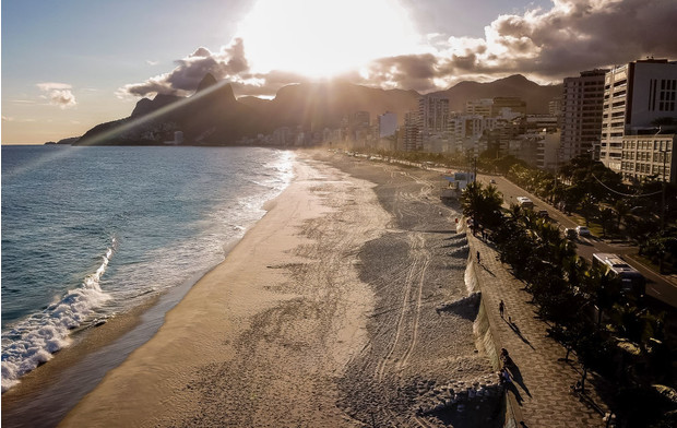 Как выглядит опустевший Рио-де-Жанейро (фото 13)