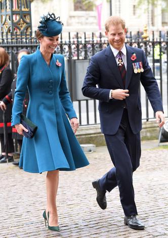 Смех и семейная идиллия: Кейт Миддлтон и принц Гарри вдвоем в Лондоне (фото 0.2)