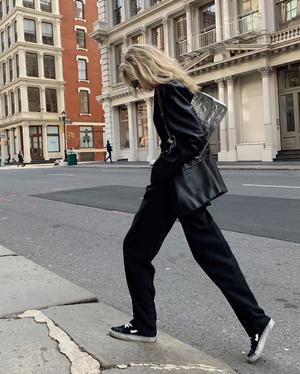 Как выглядят самые модные брюки будущего сезона? Показывает Эльза Хоск (фото 1.2)