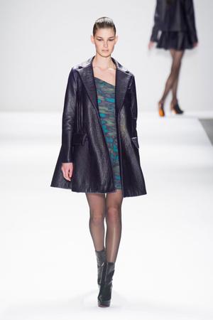 Показы мод Nanette Lepore Осень-зима 2013-2014 | Подиум на ELLE - Подиум - фото 819