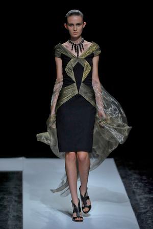 Показ Maxime Simoens коллекции сезона Осень-зима 2011-2012 года haute couture - www.elle.ru - Подиум - фото 278936