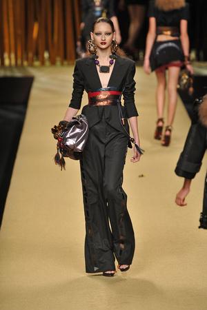 Показы мод Louis Vuitton Весна-лето 2009 | Подиум на ELLE - Подиум - фото 3299