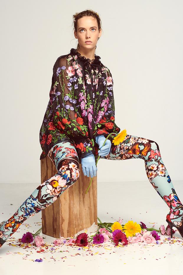 Цветочная поляна: нежные девичьи образы, сотканные из цветочного принта и хайку японских поэтесс (фото 13)
