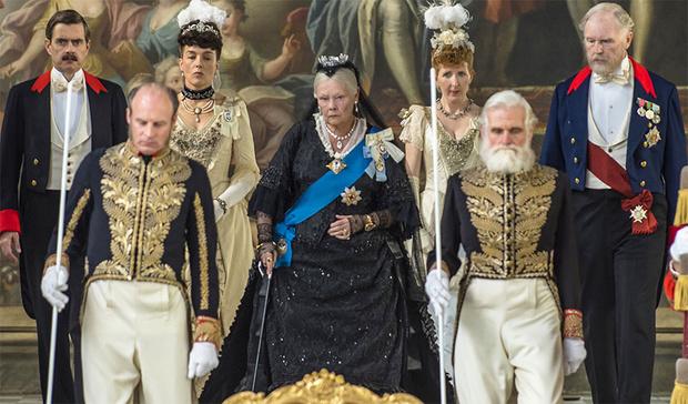 Джуди Денч в образе королевы Виктории