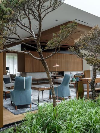 Современный дом  4500 м² с красивым садом на Новой Риге: проект бюро Woodstone (фото 20)