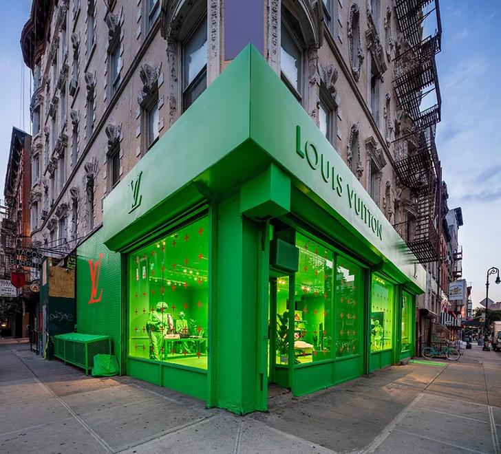 Ярко-зеленый pop-up бутик Louis Vuitton в Нью-Йорке (фото 0)