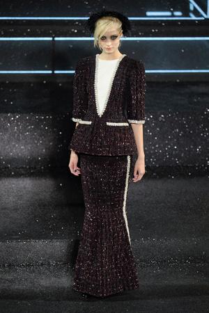 Показ  коллекции сезона Осень-зима 2011-2012 года Haute couture - www.elle.ru - Подиум - фото 278048
