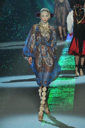 Показы мод John Galliano Осень-зима 2009-2010 | Подиум на ELLE - Подиум - фото 3123