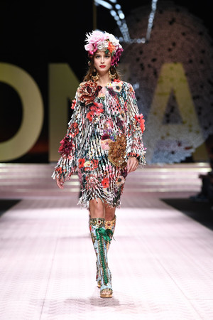 В духе Met Gala: звездопад на показе Dolce&Gabbana (фото 10.2)