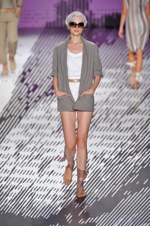 Показы мод Lacoste Весна-лето 2009 | Подиум на ELLE - Подиум - фото 3461