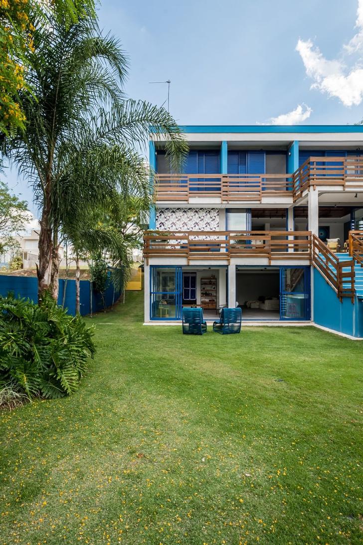 Яркий дом для отдыха на выходных в Сан-Паулу (фото 2)