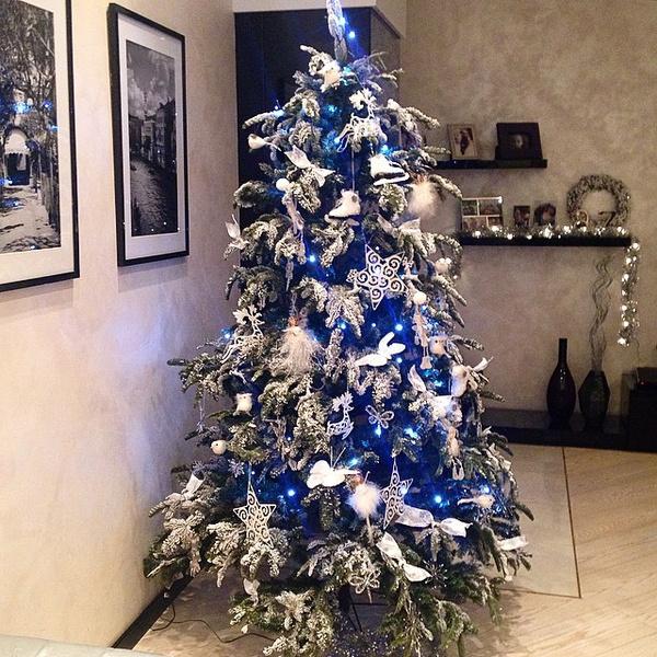 #christmastree #elledecormood @elledecorationru