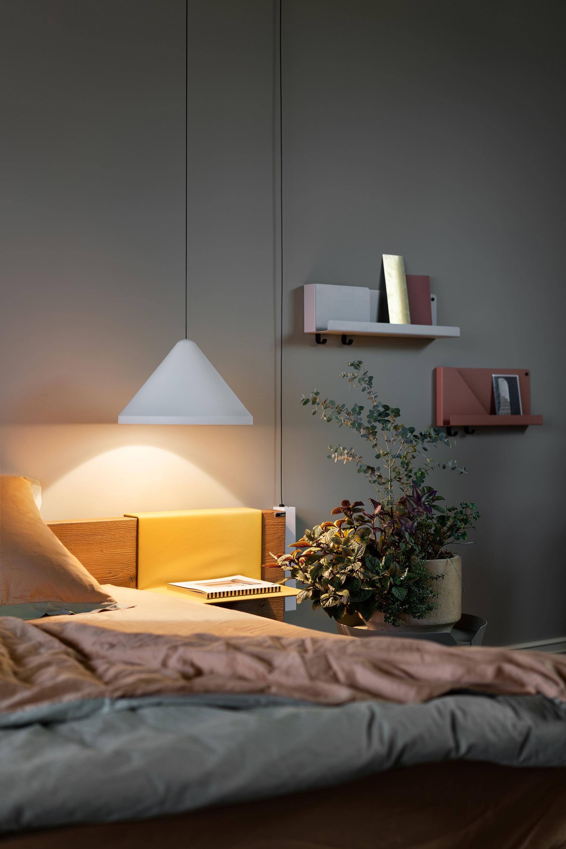 Свет у кровати: 20+ ламп для спальни (галерея 0, фото 0)
