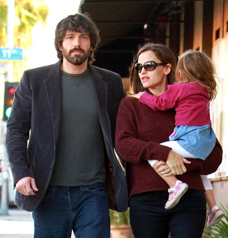 Дженнифер Гарнер с семьей