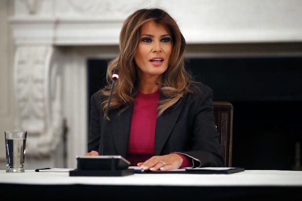 Мелания Трамп на официальном мероприятии в Белом доме (фото 4)