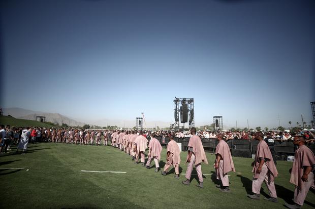 Канье Уэст представил новую песню на пасхальной службе на Coachella (фото 3)