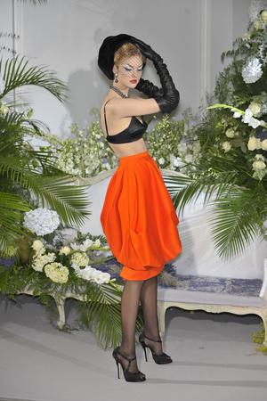 Показ Christian Dior коллекции сезона Осень-зима 2009-2010 года Haute couture - www.elle.ru - Подиум - фото 87322
