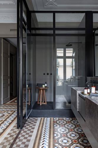 Современная квартира в старинном доме по проекту Антонио Гауди (фото 8.2)