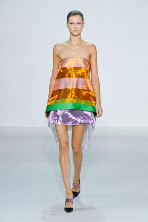 Показы мод Christian Dior Весна-лето 2013 | Подиум на ELLE - Подиум - фото 1036