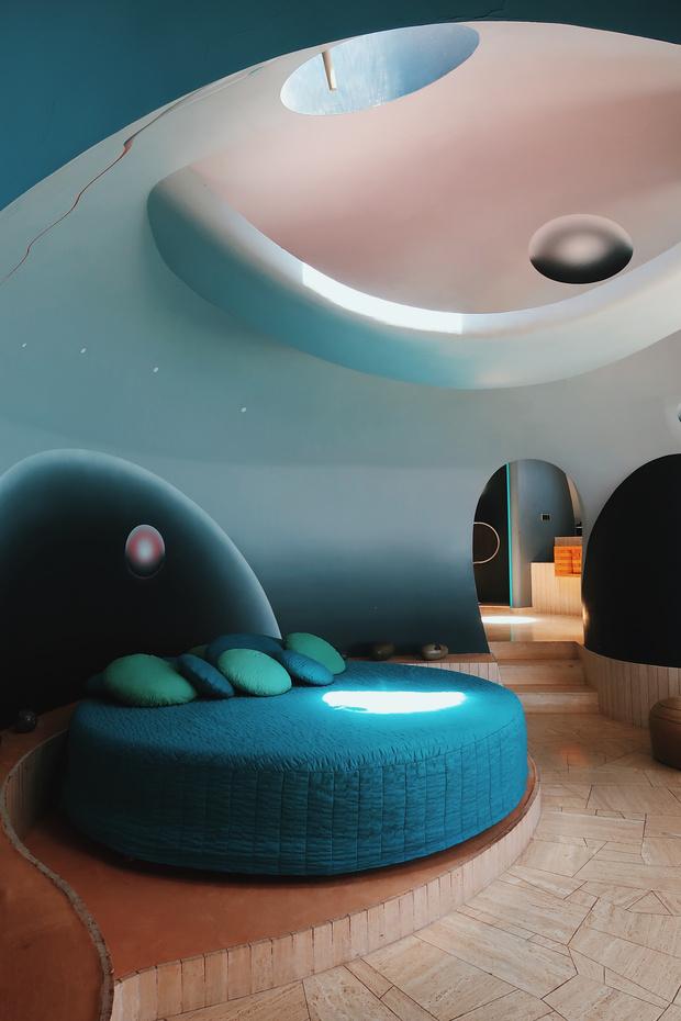 Дом-пузырь Пьера Кардена (фото 2)