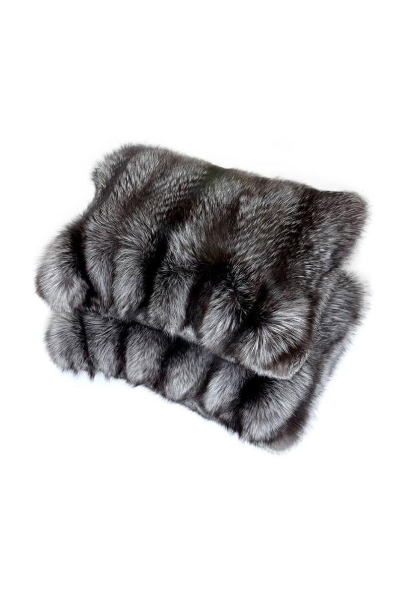 Подушки из меха серебристо-черной лисы, магазины «Меха Екатерина», www.mexa-ekaterina.ru