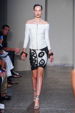 Показы мод Donna Karan Весна-лето 2012 | Подиум на ELLE - Подиум - фото 2028