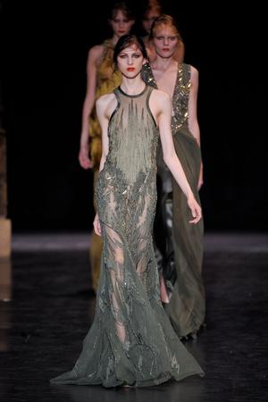 Показ Basil Soda коллекции сезона Осень-зима 2012-2013 года haute couture - www.elle.ru - Подиум - фото 404058