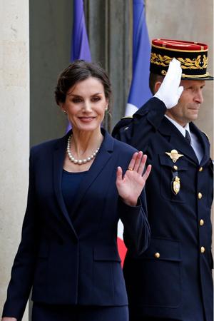 Встреча на высшем уровне: президент и первая леди Франции приняли в Париже испанскую королевскую семью (фото 3.1)