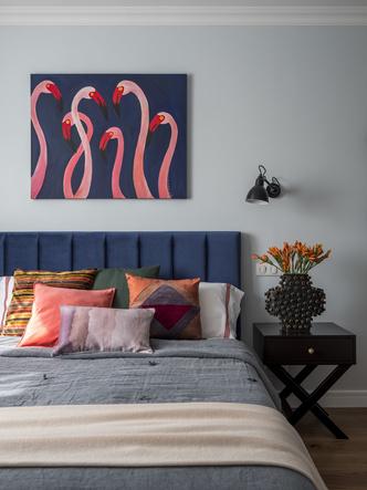 Дитя заката: фламинго и другие яркие  решения в типовой квартире 55 м² (фото 10.1)