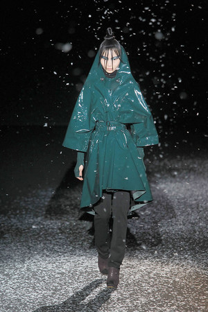 Показ Chapurin коллекции сезона Осень-зима 2010-2011 года prêt-à-porter - www.elle.ru - Подиум - фото 155880