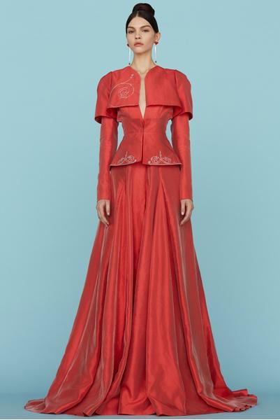 Ульяна Сергеенко представила новую коллекцию на Неделе высокой моды в Париже | галерея [1] фото [2]