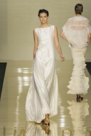Показы мод Valentin Yudashkin Весна-лето 2009 | Подиум на ELLE - Подиум - фото 3327