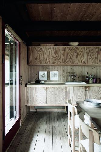 Модные кухни из фанеры: 10 удачных решений (фото 20)