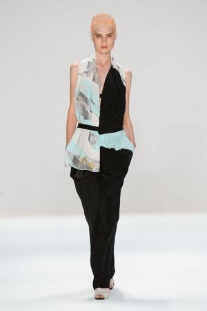 Показы мод Narciso Rodriguez Весна-лето 2012 | Подиум на ELLE - Подиум - фото 2012