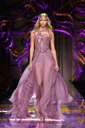 Atelier Versace | Подиум на ELLE - Подиум - фото 4316