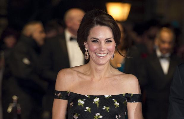 Образ Дня: Кейт Миддлтон в Alexander McQueen на премии BAFTA-2017
