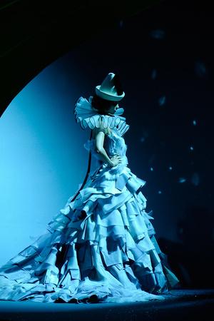 Показ Christian Dior коллекции сезона Осень-зима 2011-2012 года Haute couture - www.elle.ru - Подиум - фото 277113
