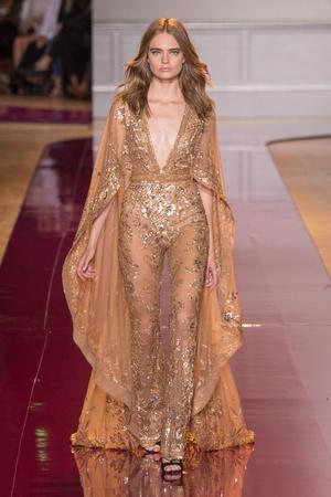 Показ Zuhair Murad коллекции сезона Осень-зима 2016-2017 года Haute couture - www.elle.ru - Подиум - фото 607327