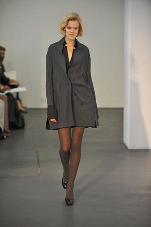 Показ Atelier Gustavo Lins коллекции сезона Осень-зима 2009-2010 года haute couture - www.elle.ru - Подиум - фото 87161