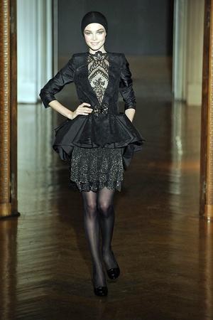 Показ Christian Lacroix коллекции сезона Осень-зима 2009-2010 года haute couture - www.elle.ru - Подиум - фото 87354
