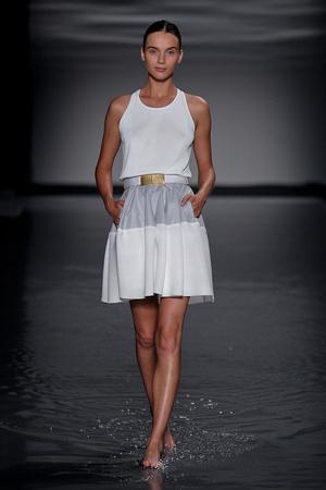 Показ Maison Rabih коллекции сезона Осень-зима 2011-2012 года Haute couture - www.elle.ru - Подиум - фото 277865