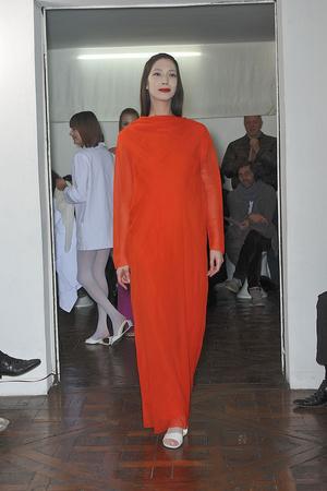 Показ Adeline Andre коллекции сезона Весна-лето 2010 года Haute couture - www.elle.ru - Подиум - фото 138075