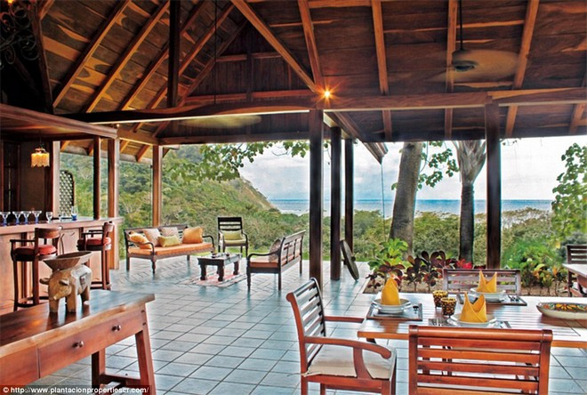Мэл Гибсон продает виллу в Коста-Рике | галерея [1] фото [5]