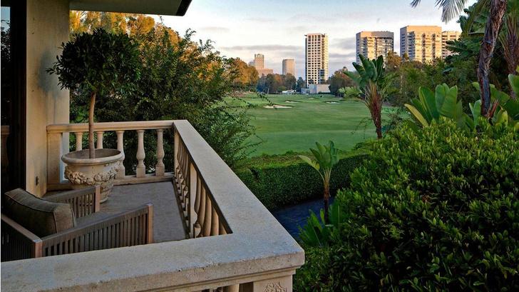 Фронтмен Maroon 5 Адам Левин продает два роскошных дома в Лос-Анжелесе фото [8]