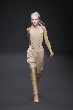 Показы мод A.F. Vandevorst Осень-зима 2010-2011 | Подиум на ELLE - Подиум - фото 2730