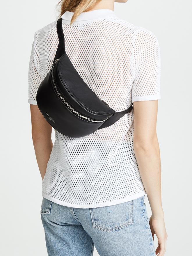 20 стильных поясных сумок на лето (фото 3.2)