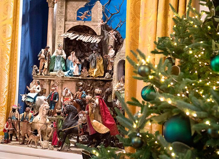 Мелания Трамп украсила Белый Дом к Рождеству фото [16]